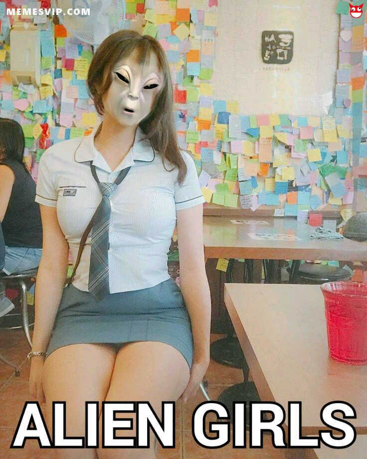Meme alien girls volume 2 planeta Wvala